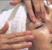 masajear el área intervenida ayuda a minimizar las cicatrices